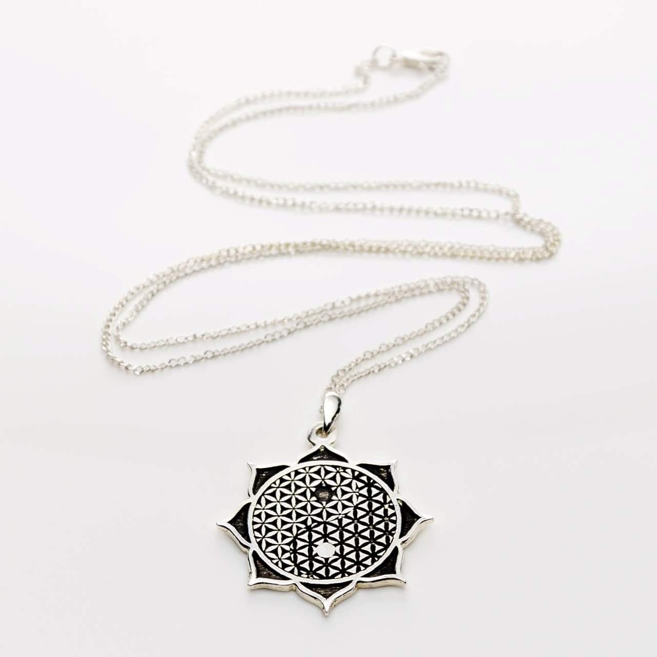 Colier 3 simboluri, 3 forte, 3 minuni: Floarea Vietii, Floare de Lotus, Yin&Yang argintat